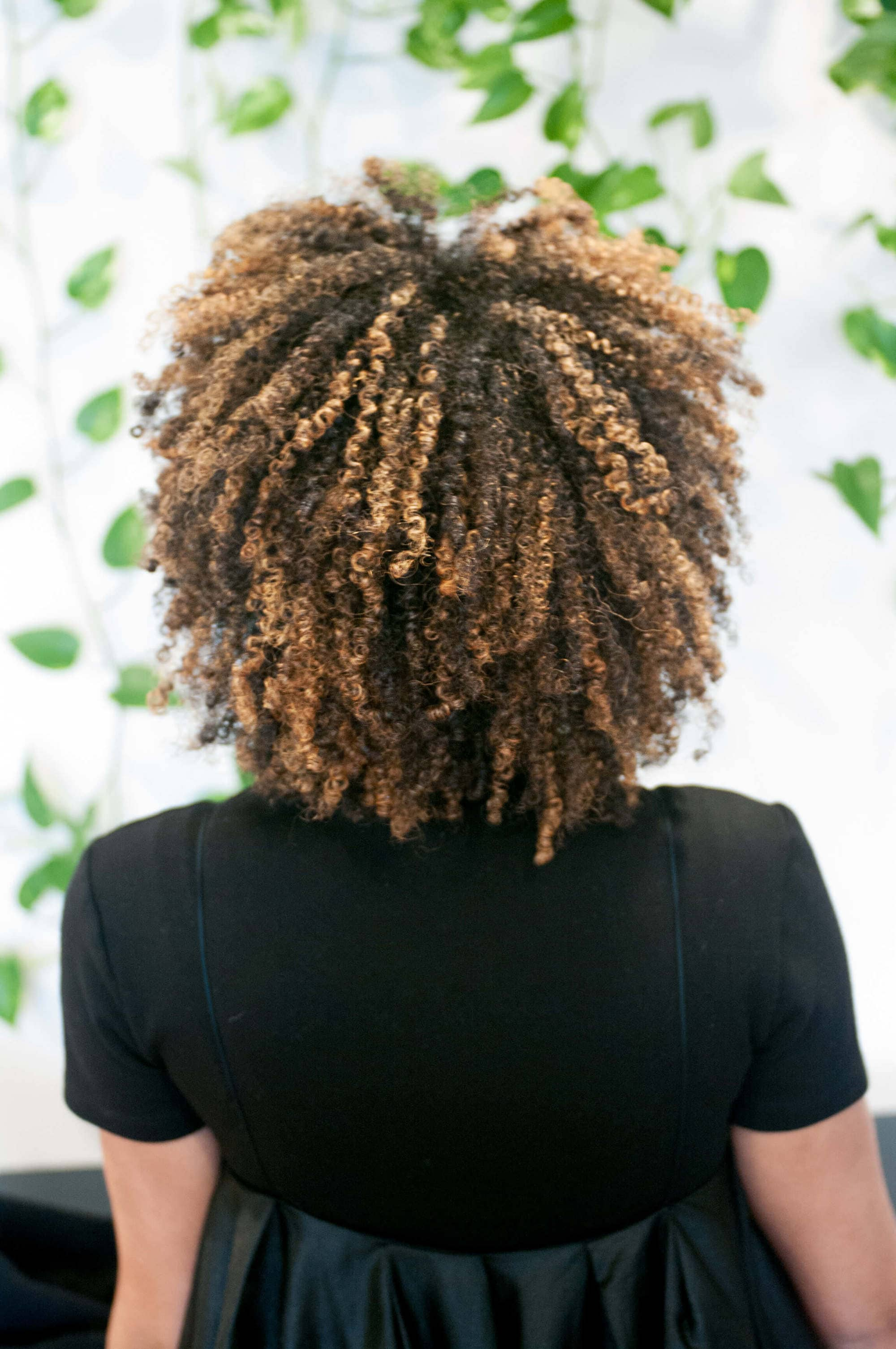 shingling method: back view of wash and go curls