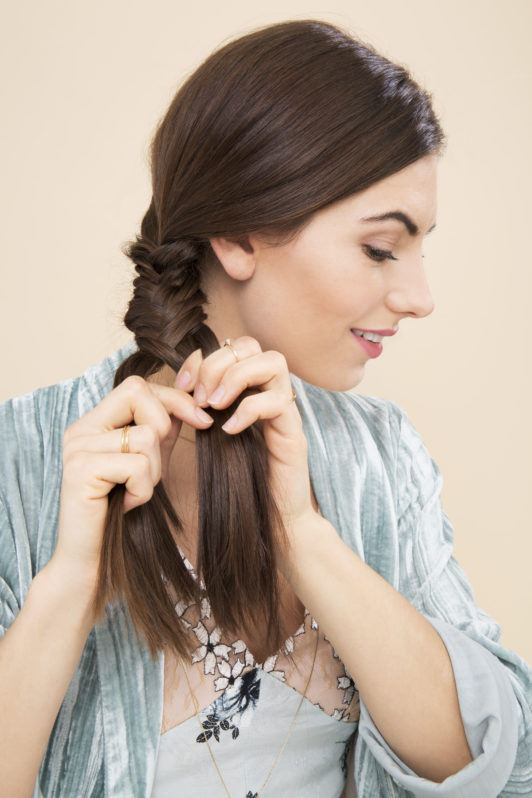 Side Fishtail Braid How To Wear The Look 2 Different Ways