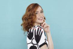 soft piece-y: red head model with wavy style