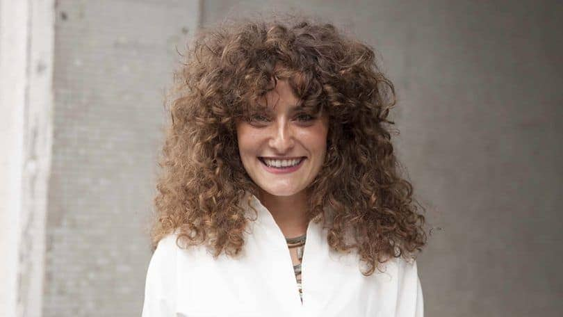 Curly Hair Bangs: 9 Trendy Hairstyle Ideas and Styling Tips