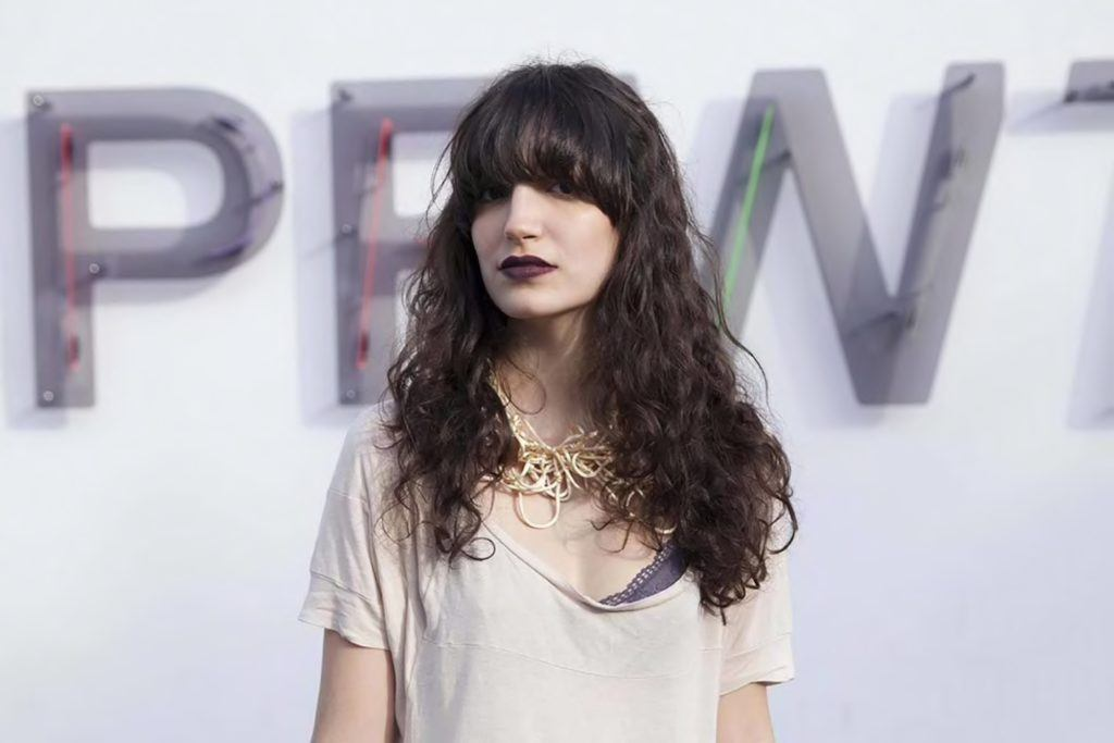 curls and bangs hairstyles for long faces