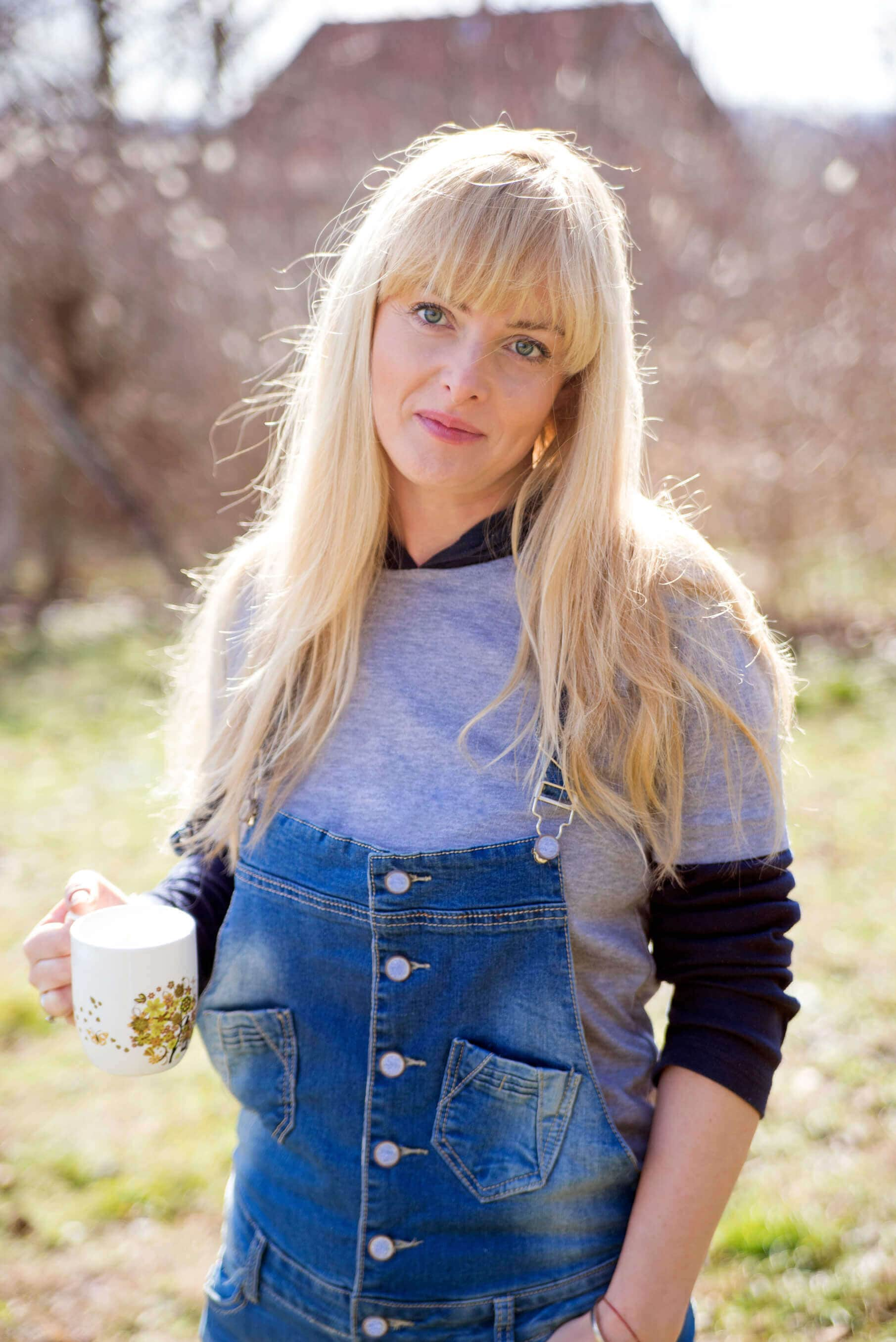 blonde and fine layered haircuts with bangs