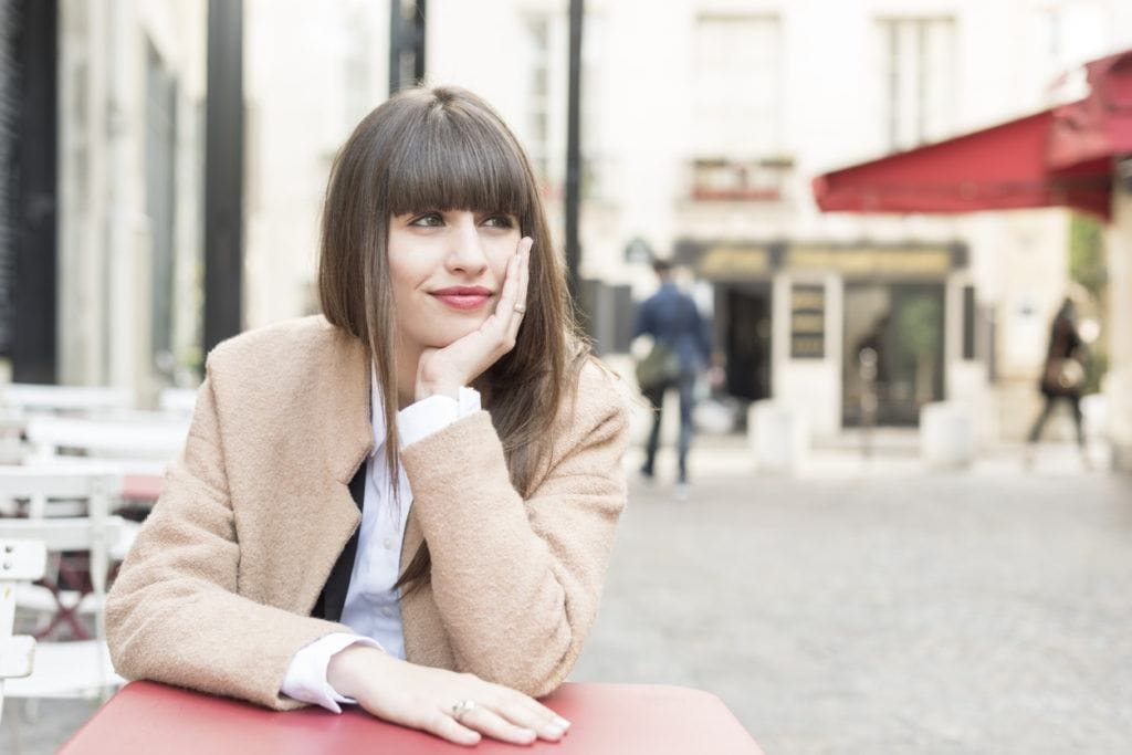 French hairstyles: blunt bangs