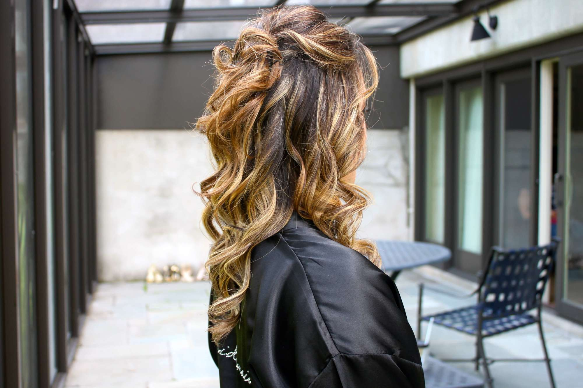 half up half down wedding hairstyles curly highlights