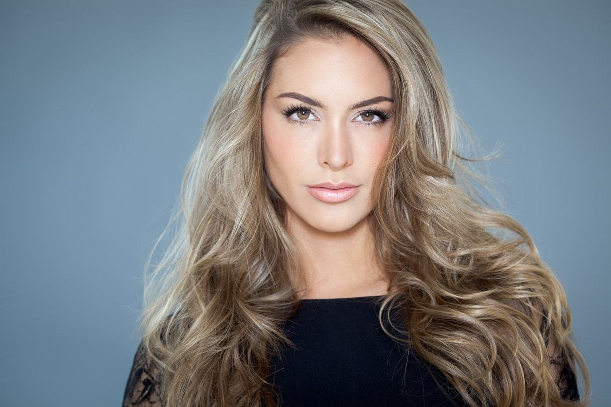 light blonde hair silver long waves