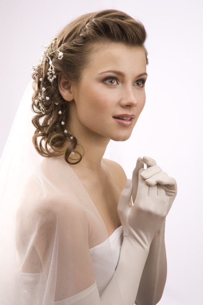 Vintage wedding hairstyles to inspire your wedding tight curls beads junglespirit Image collections