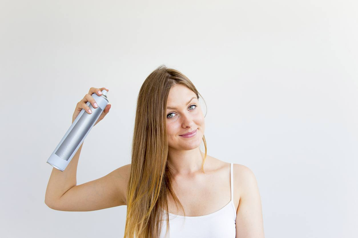 best dry shampoo for oil hair: spray dry shampoo
