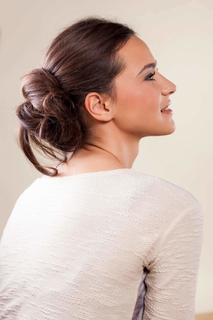 easy hairstyles working out messy bun