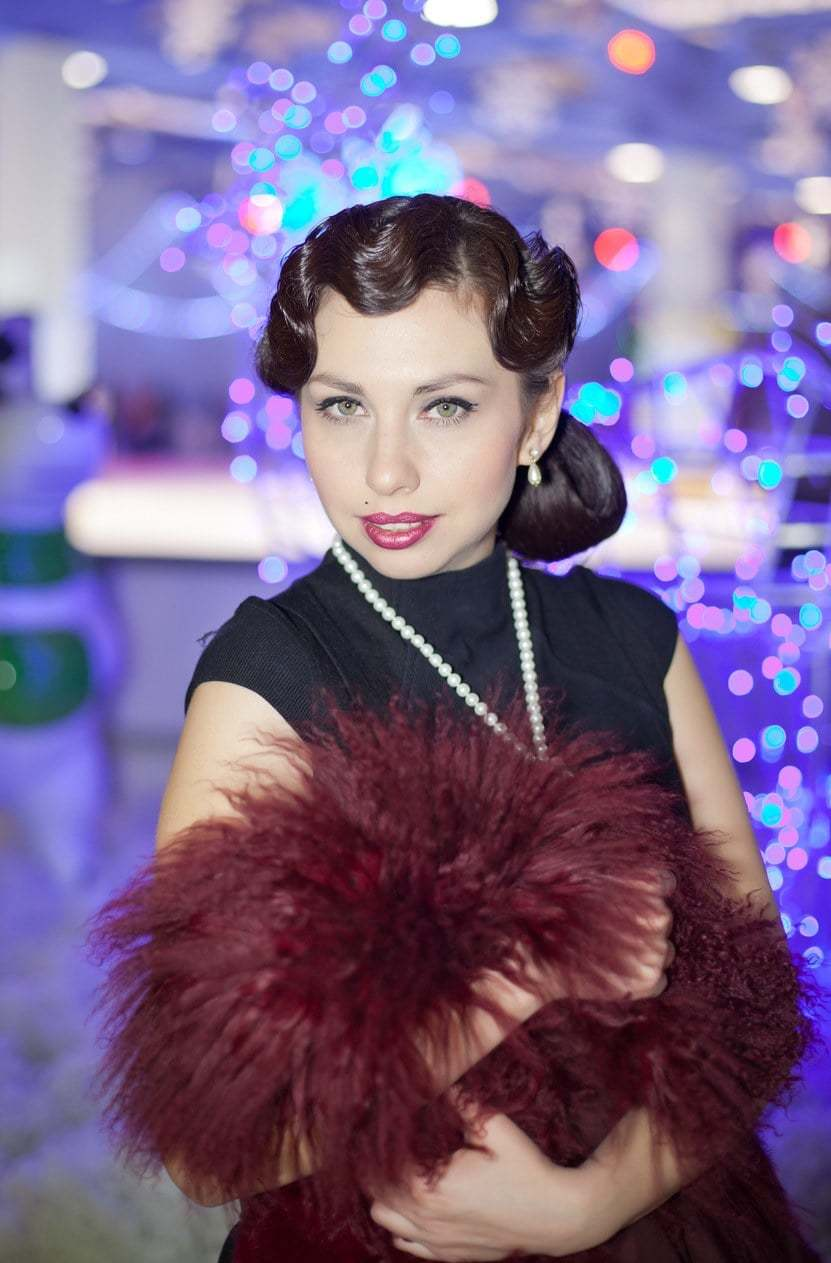 finger waves with gibson tuck 1920s hairstyles