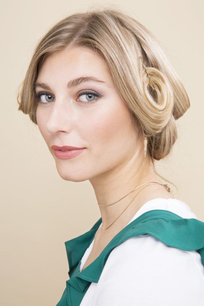 blown out pin curls 1920s hairstyles