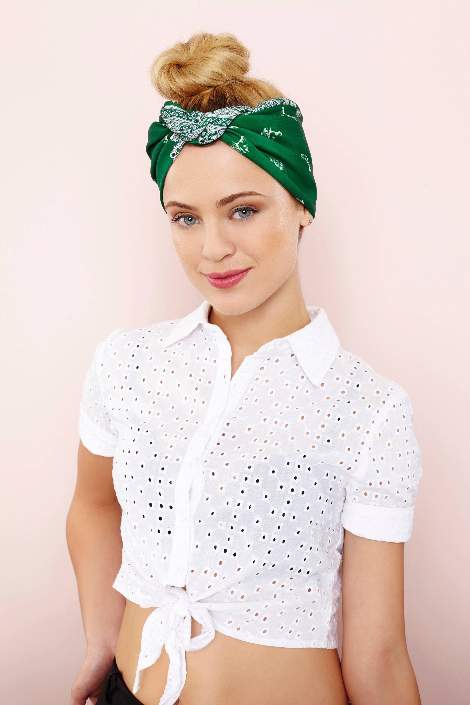 easy updos with a bandana
