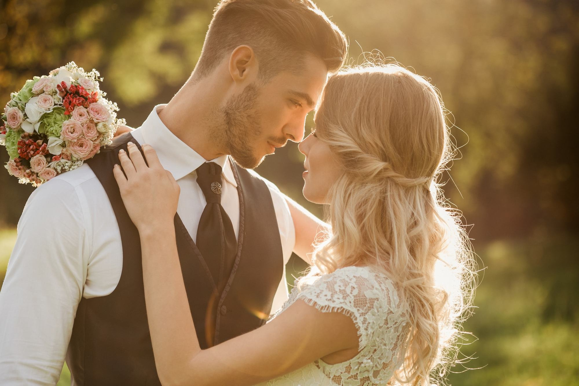 Best wedding hair 23 looks to inspire your bridal style for Top 10 wedding sites