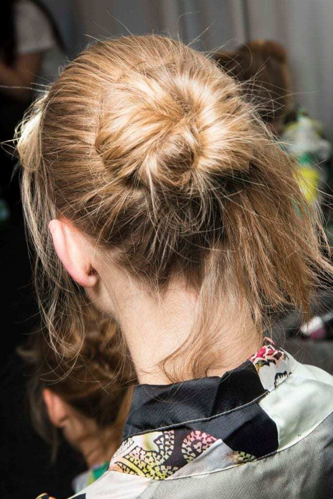easy hairstyles messy chignon