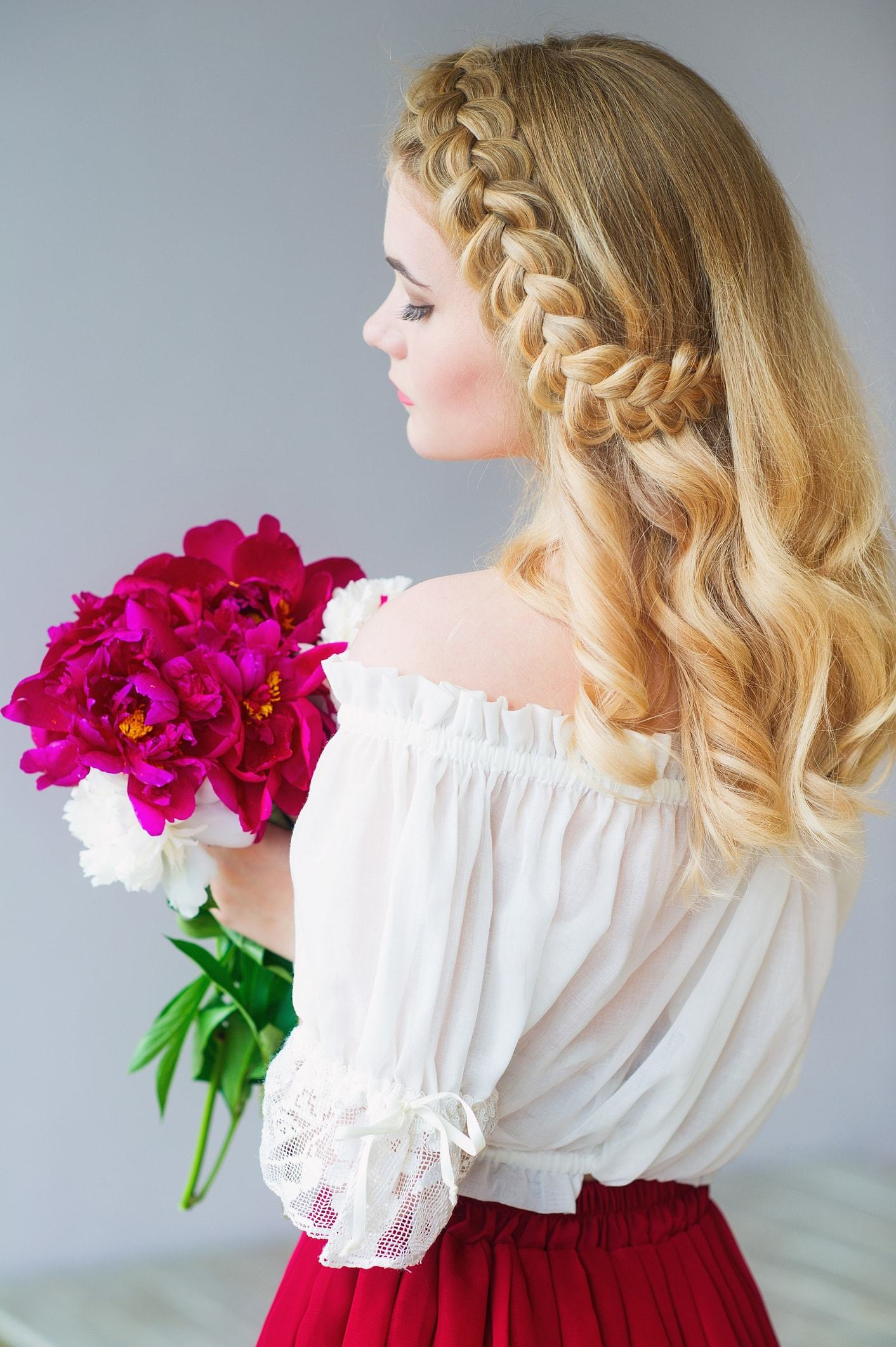 19 Beautiful Flower Girl Hairstyles For Girls Of All Ages