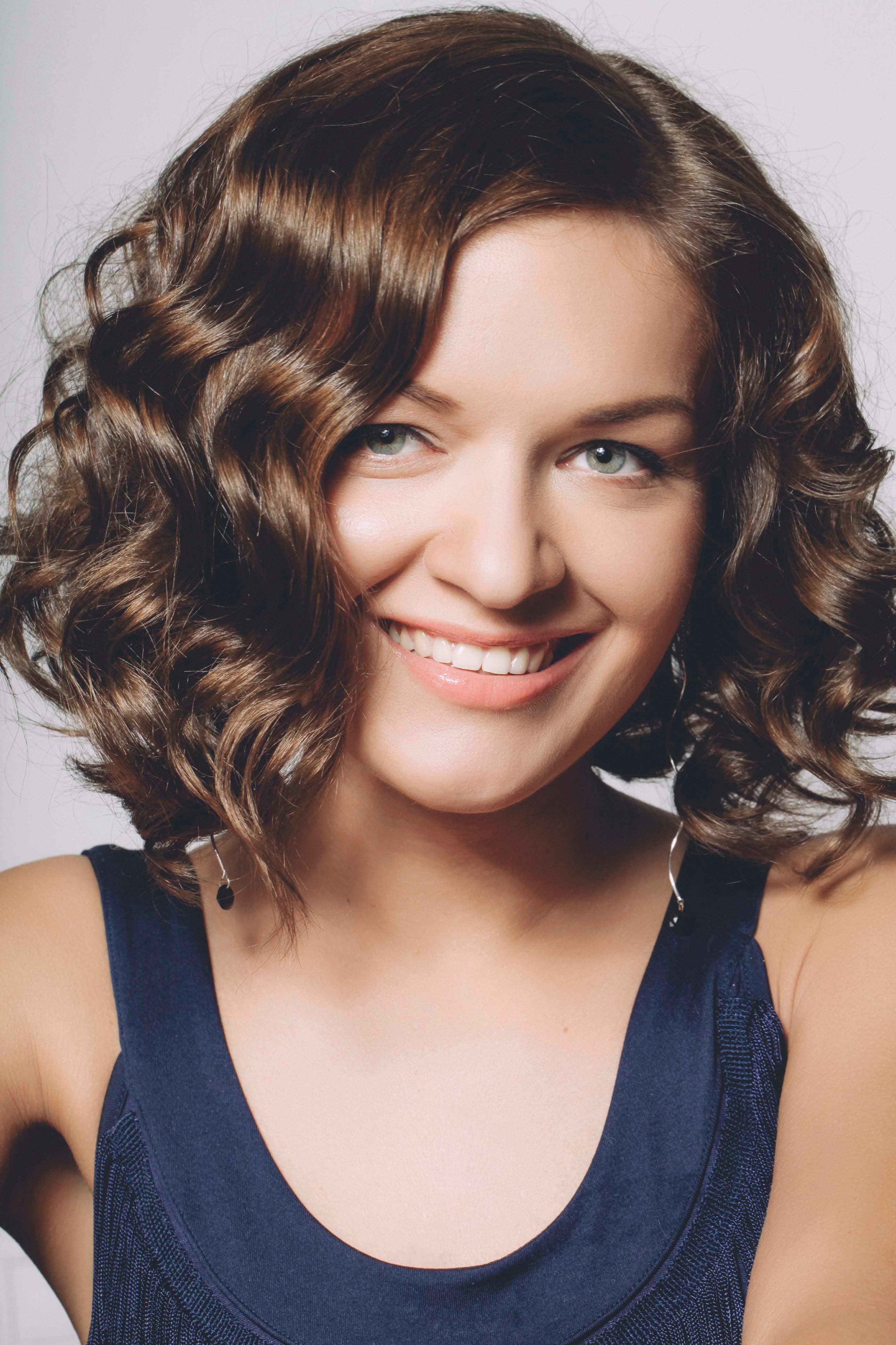 Hairstyles For Wavy Hair Ideas To Rock Waves Or Create Them
