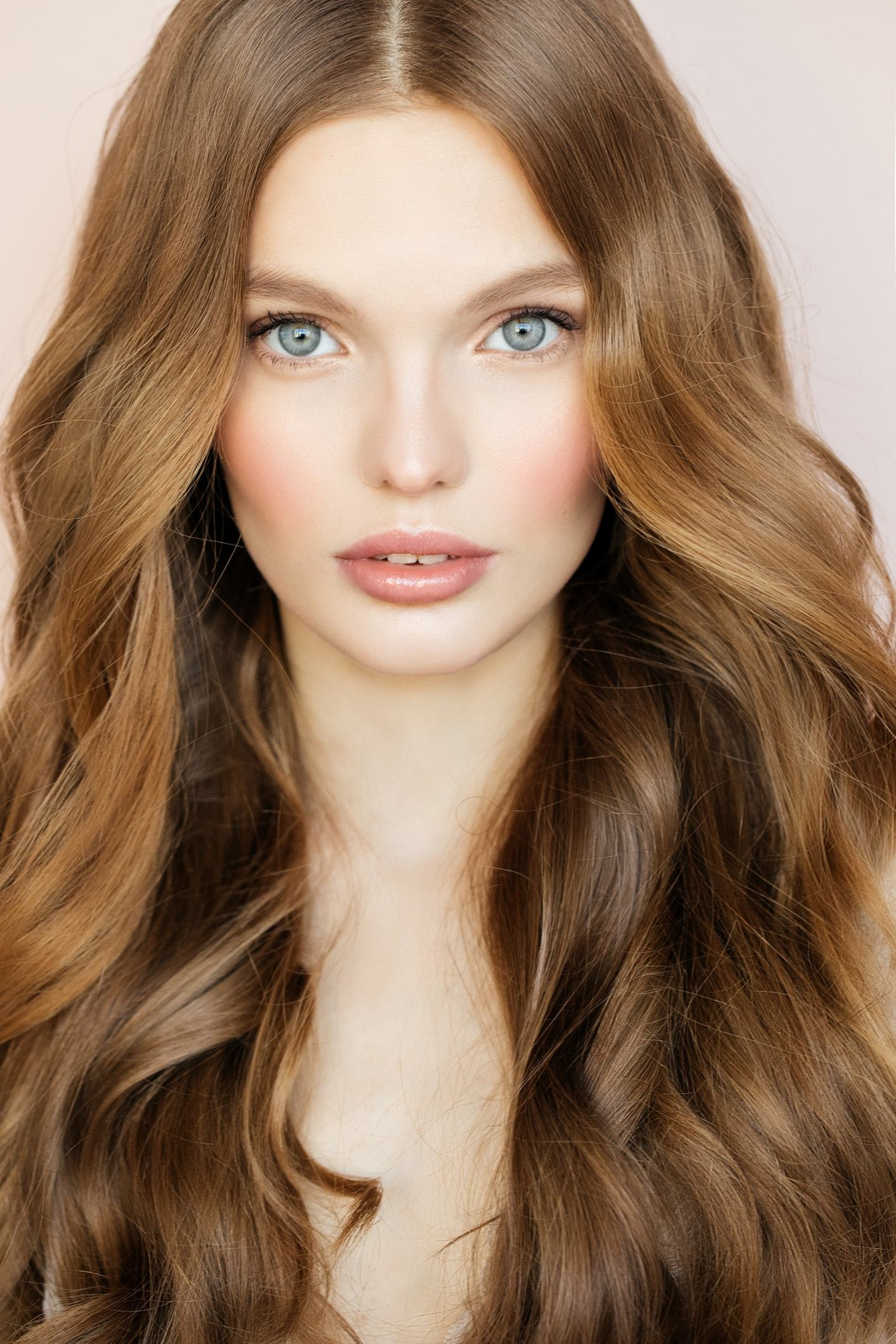 Honey Brown Hair 20 Striking Shades Perfect For The Season