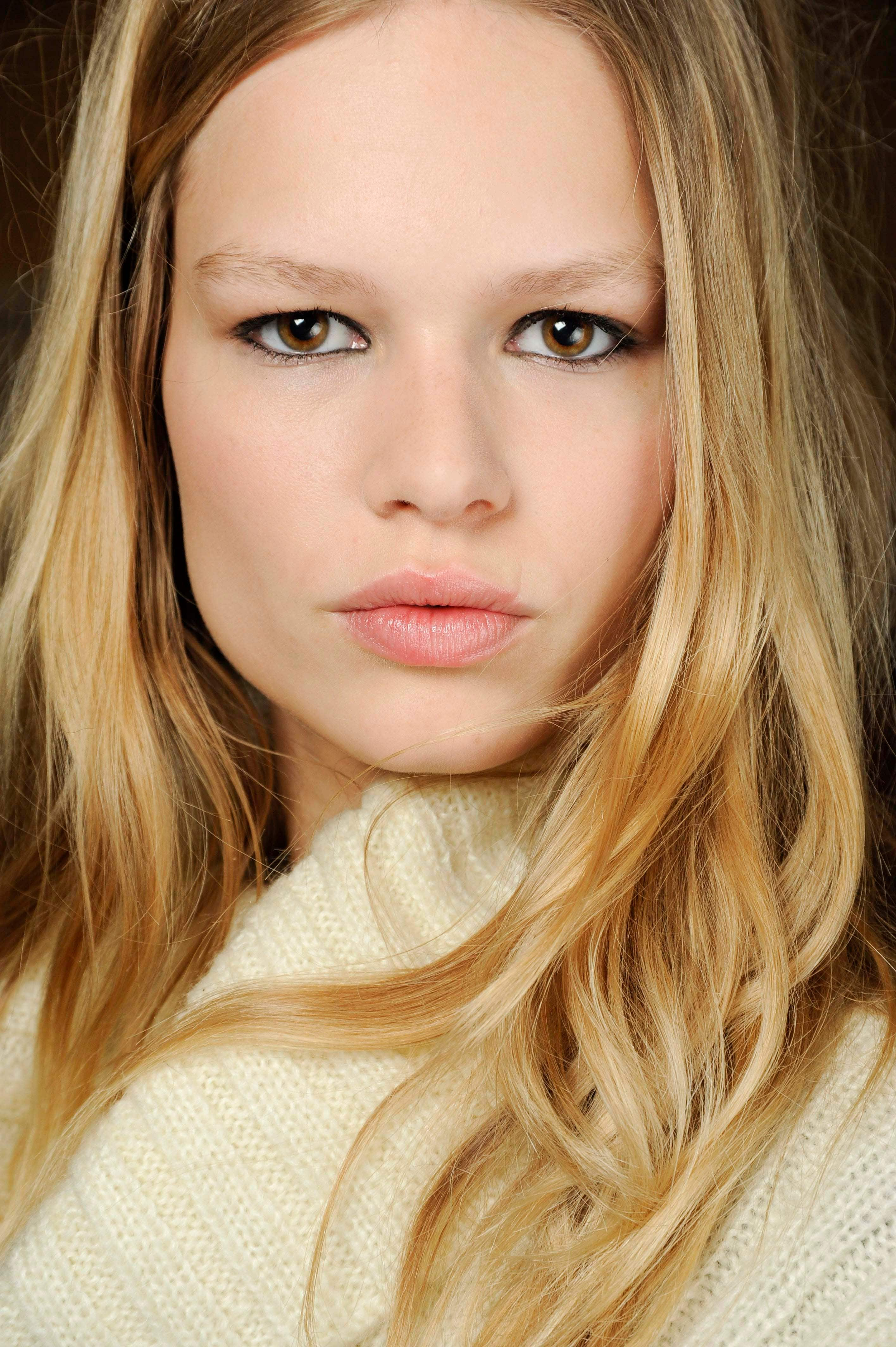 honey hair color trend