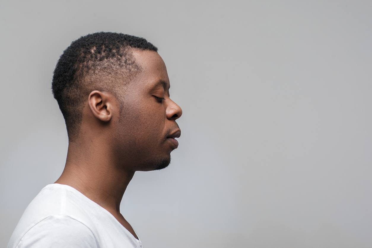 natural hairstyles for men: low fade