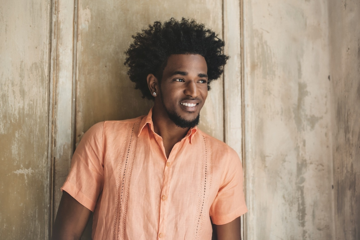 natural hairstyles for men: sharp lineup afro