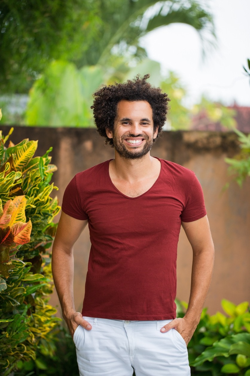 natural hairstyles for men: short curly afro