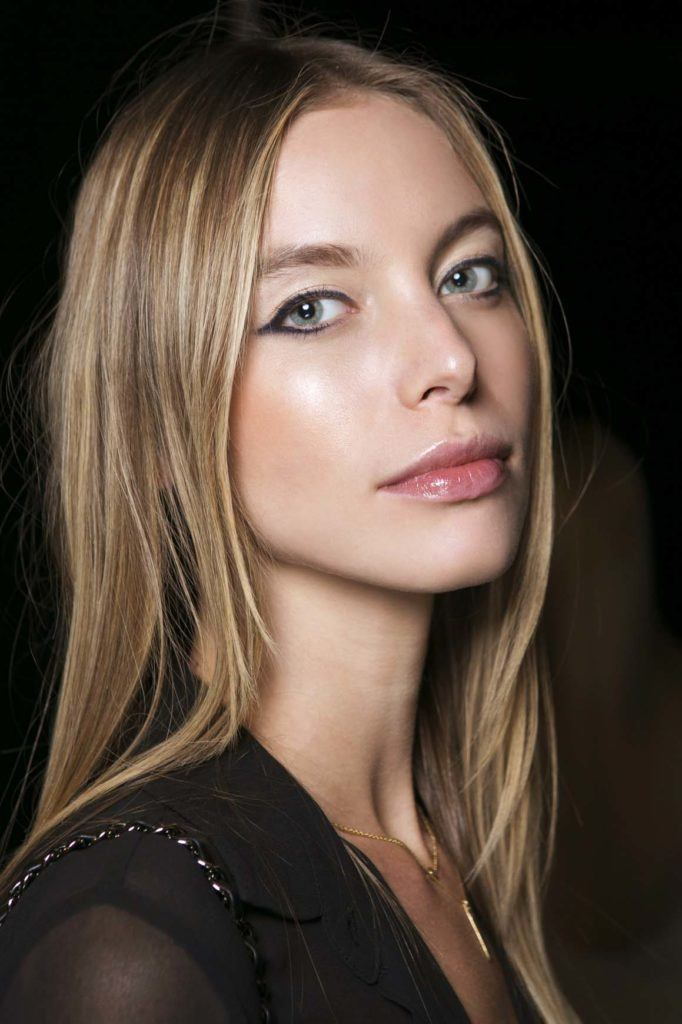 Hairstyles for thin hair fashionable ideas for your fine hair type hairstyles for thin hair blonde highlights pmusecretfo Image collections