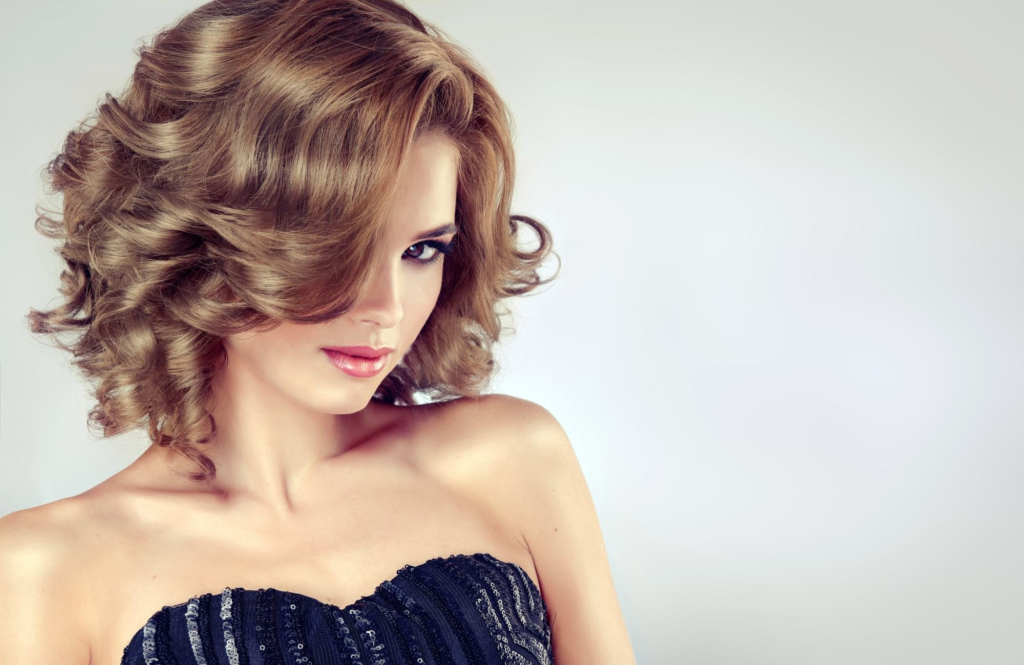 victorian hairstyles curly brunette bob