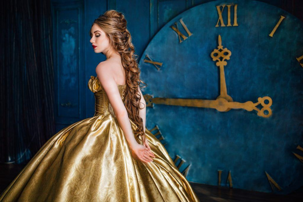 victorian hairstyles long curly ponytail