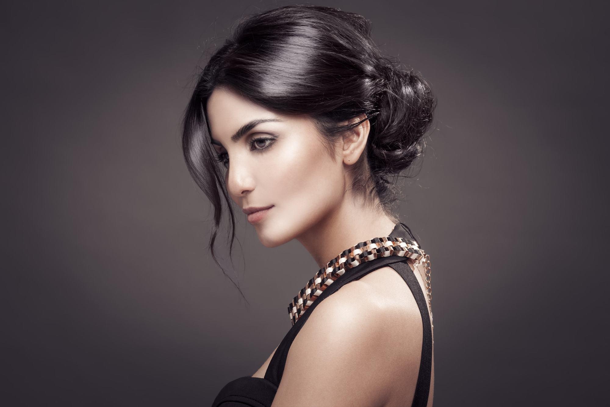 victorian hairstyles smooth bun dark brunette
