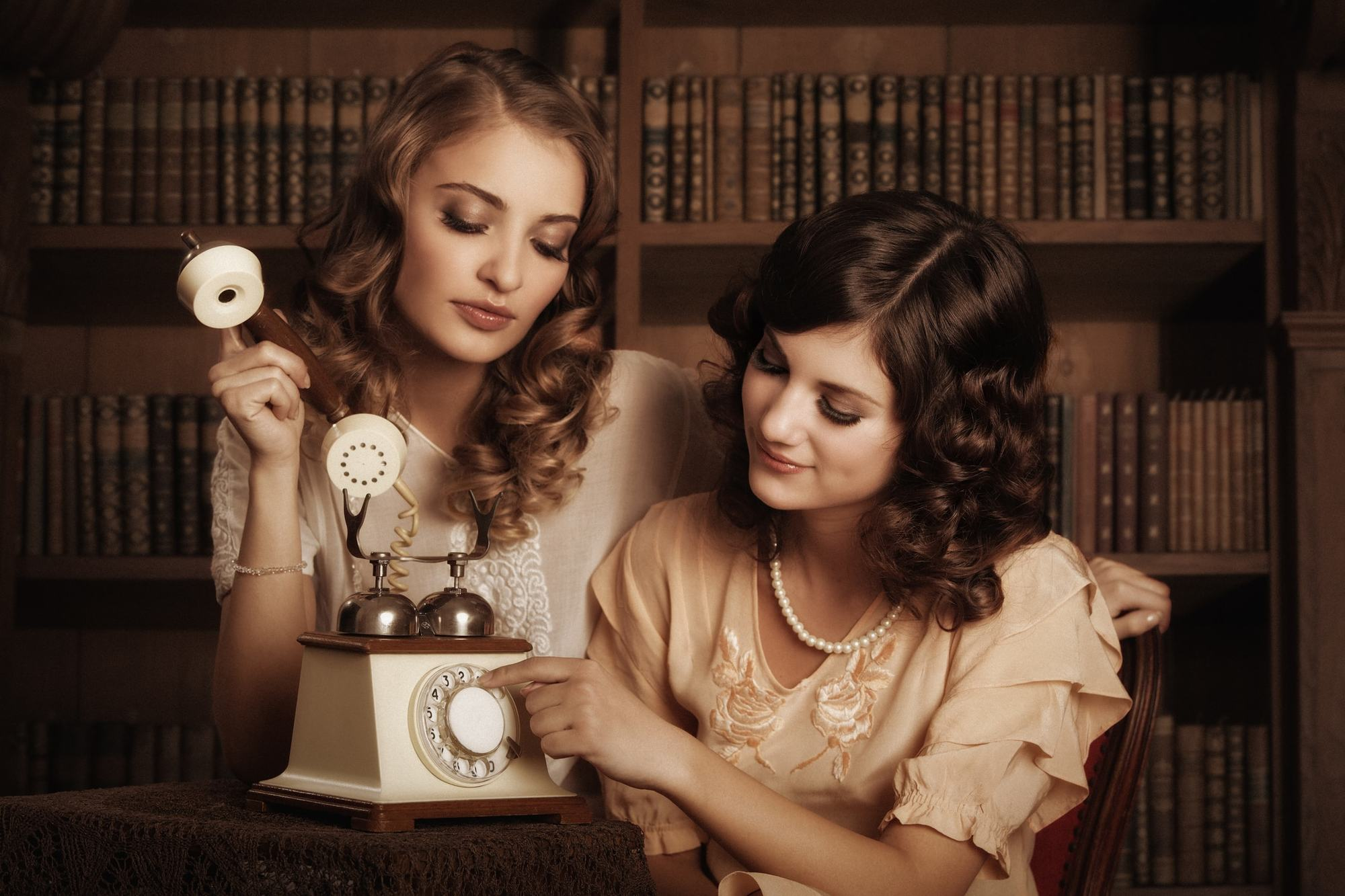 victorian hairstyles tight curls curlers