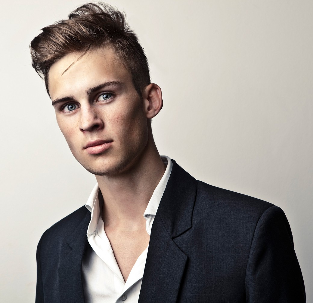 easy hairstyles for guys: side comb