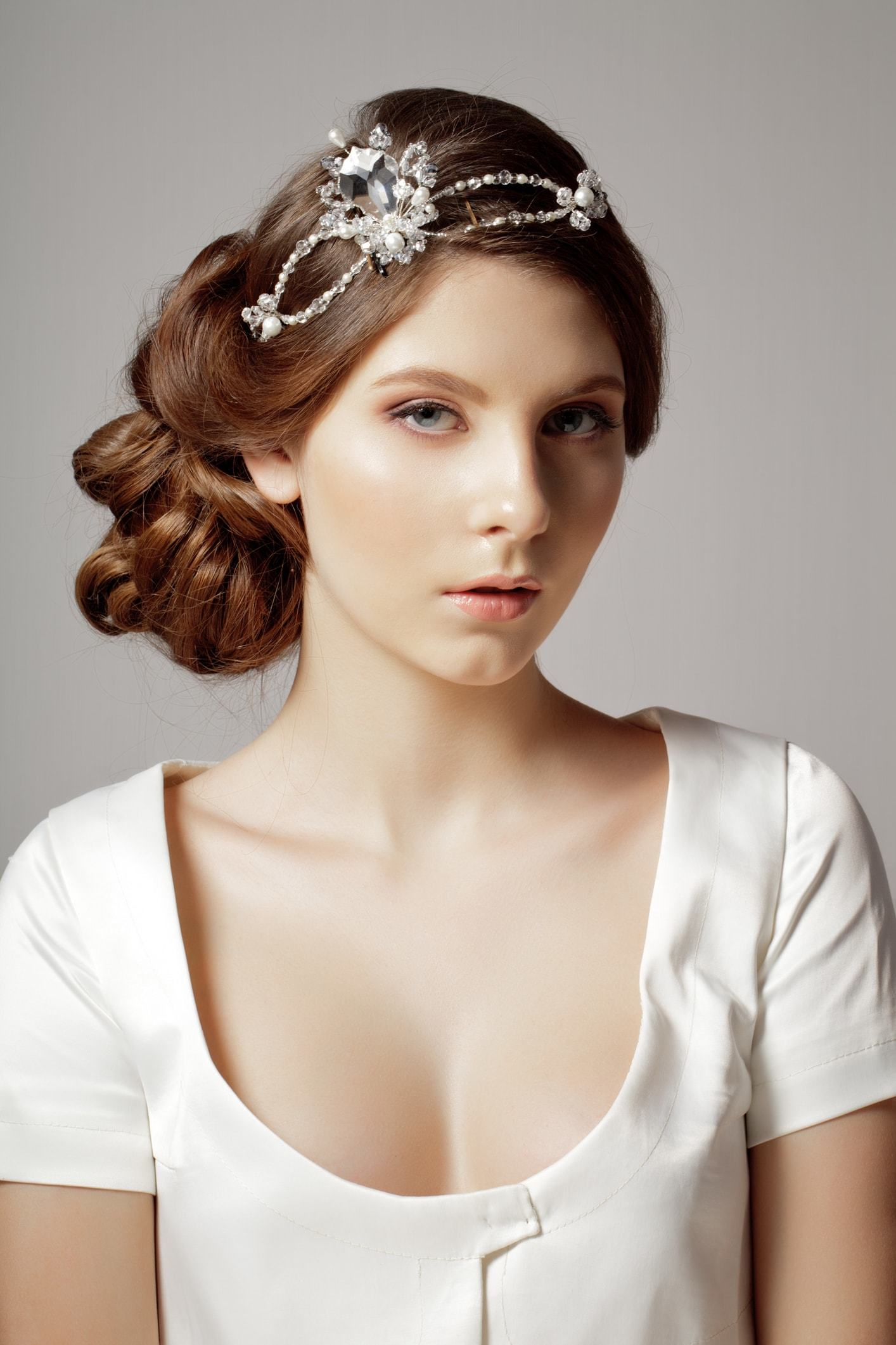 hairstyles with tiara floral crystal headband updo