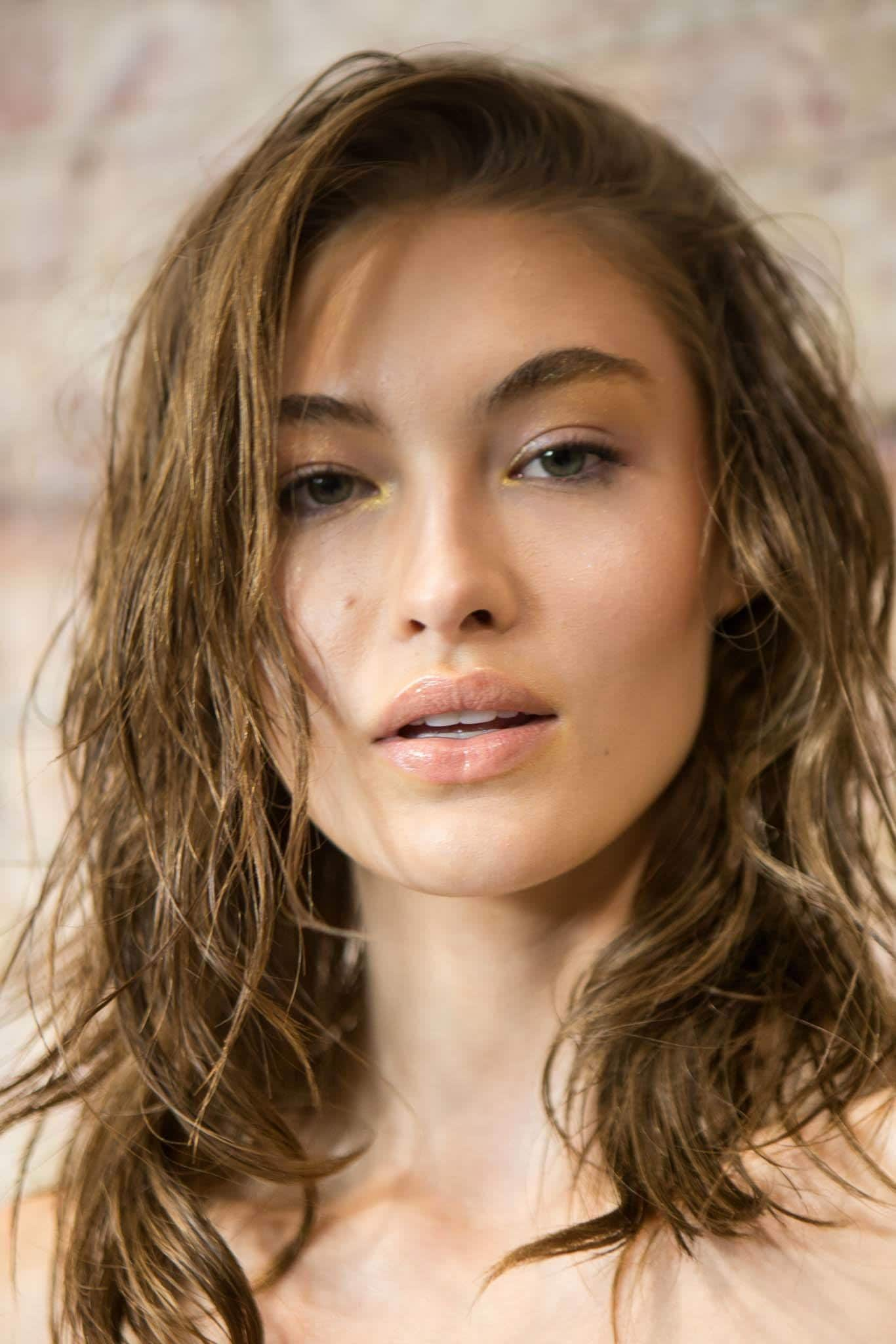 is mousse bad for your hair brunette wet hair