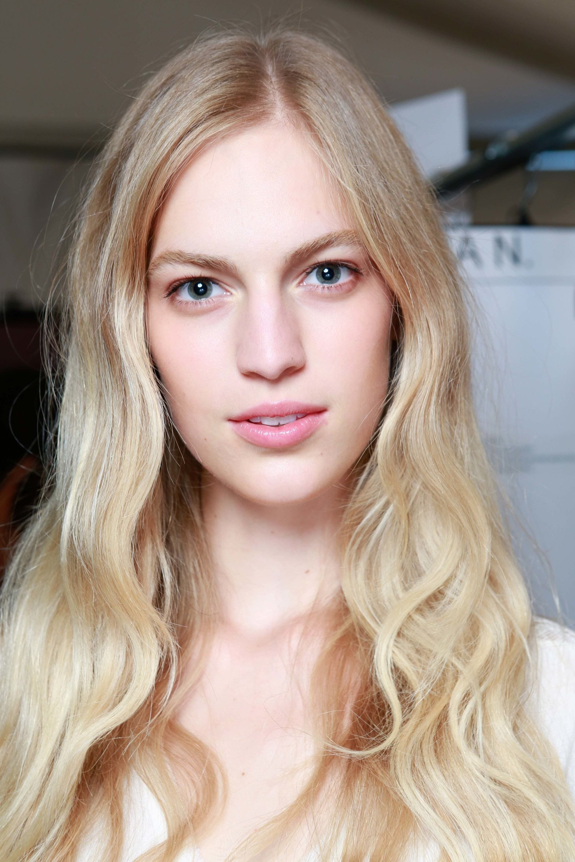 Natural Blonde Hair 21 Timeless Flattering Shades