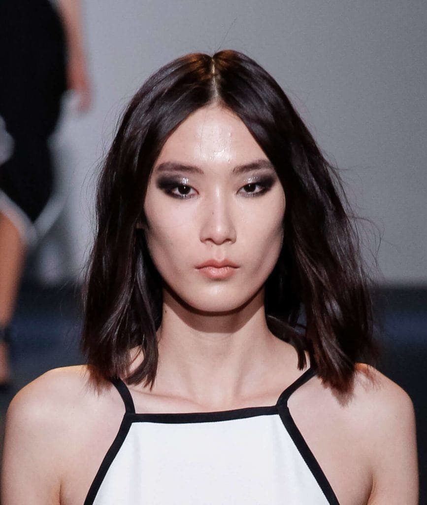short haircuts for long faces: textured lob
