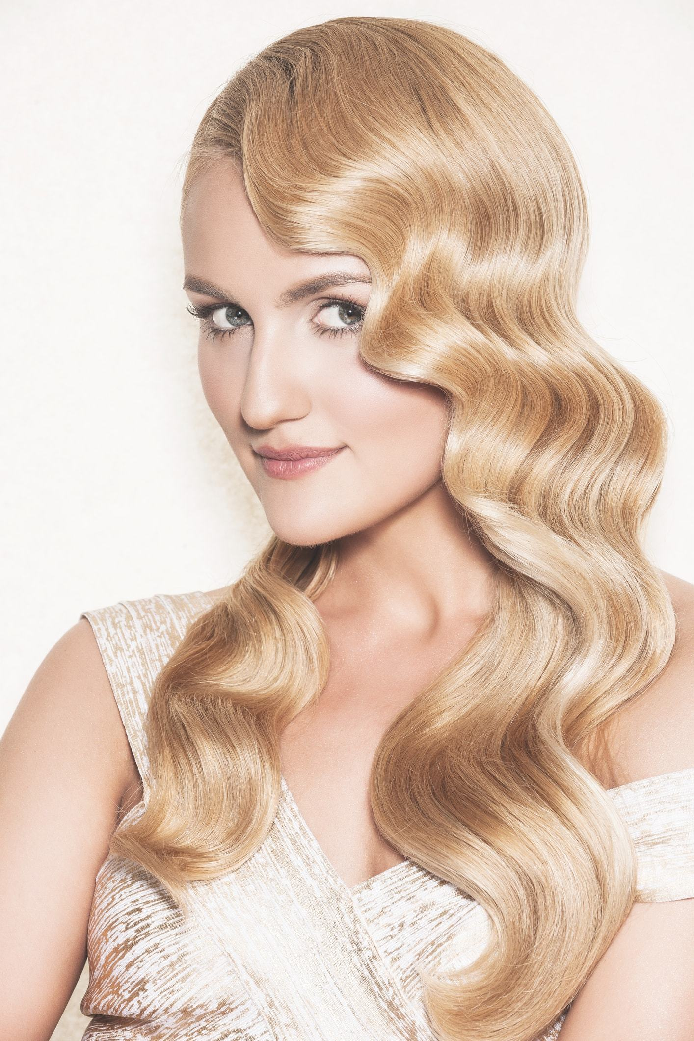 20 Vintage Hairstyles for Curly Hair You\'ll Be Wearing on Repeat