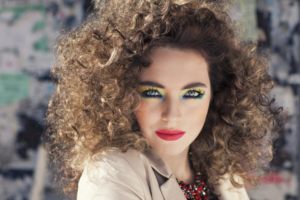 vintage hairstyles for curly hair teased curls