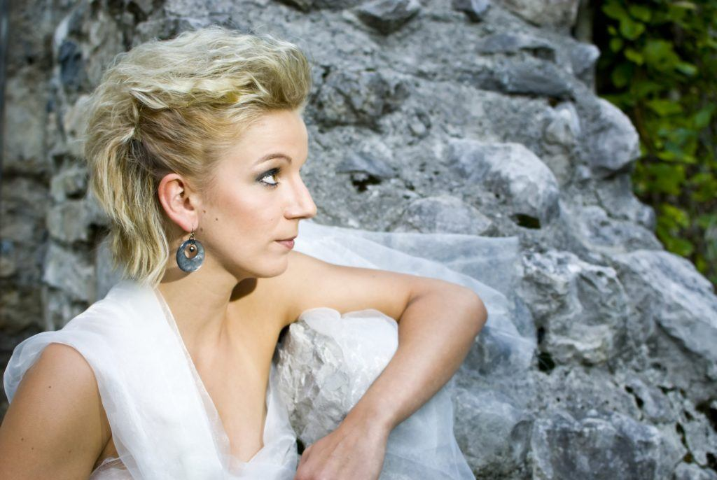 wedding updos for short hair crimped fauxhawk