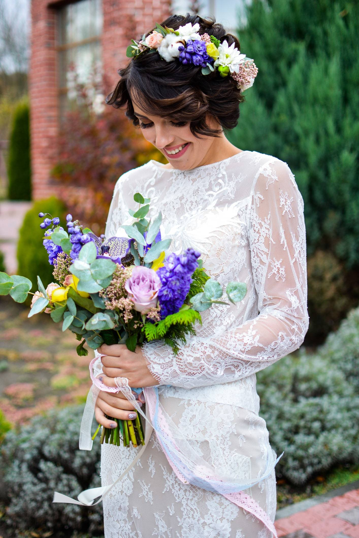 wedding updos for short hair pinned back curls flower crown