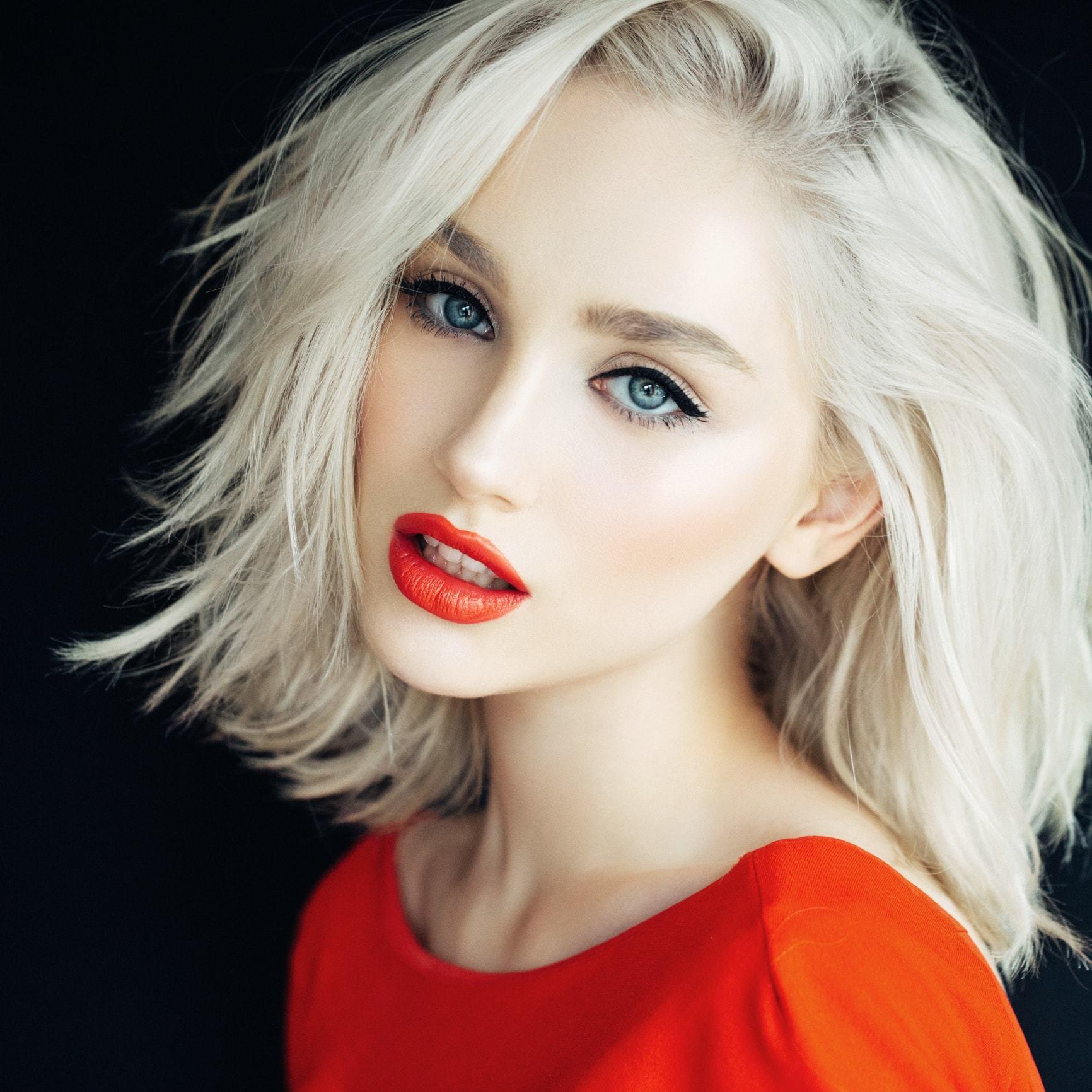 white blonde hair straight volume
