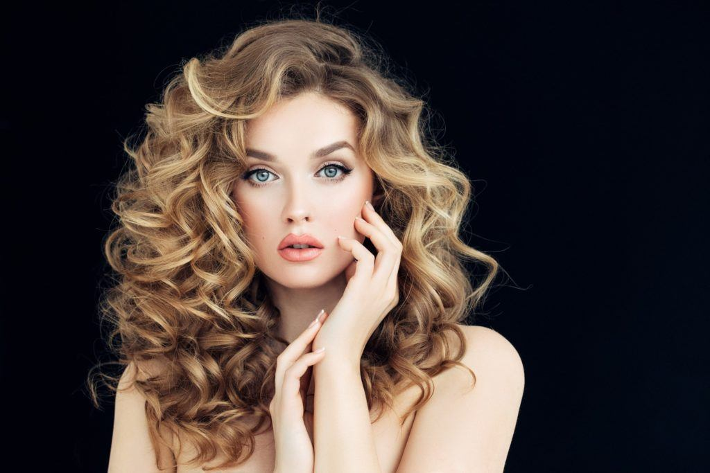 Blonde Curly Hair 16 Bold And Beautiful Ways To Wear The Look