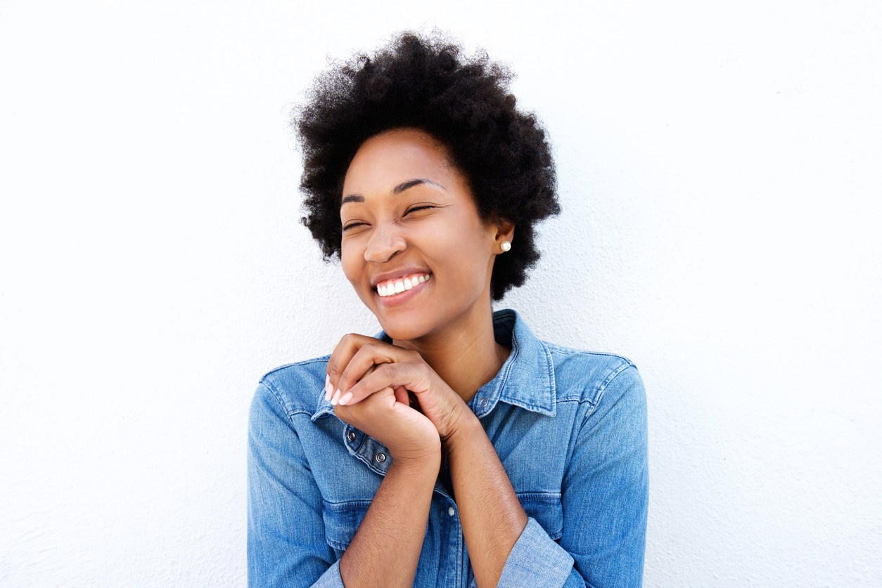 short curly hairstyles for black women: brushed out curls