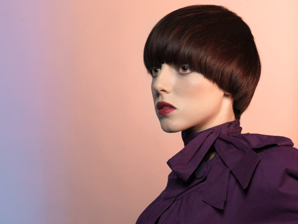 short haircuts for oval faces highlighted red bowl cut