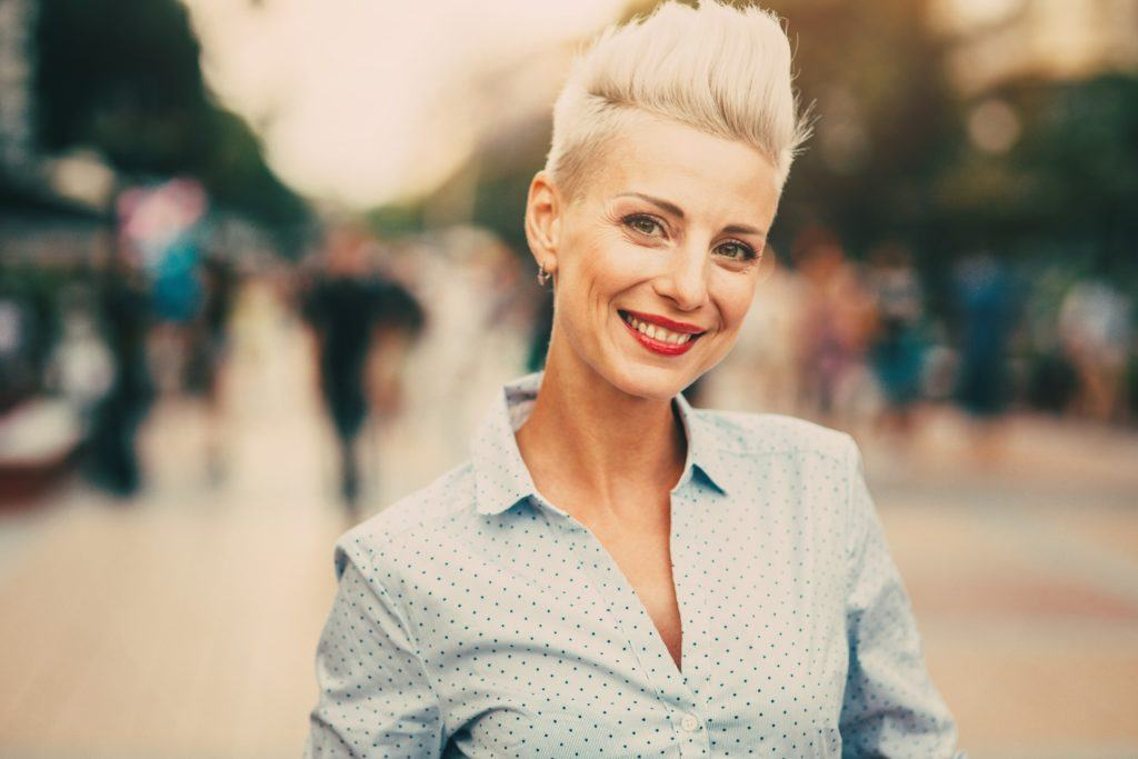 short haircuts for oval faces spiked bleach blonde pixie
