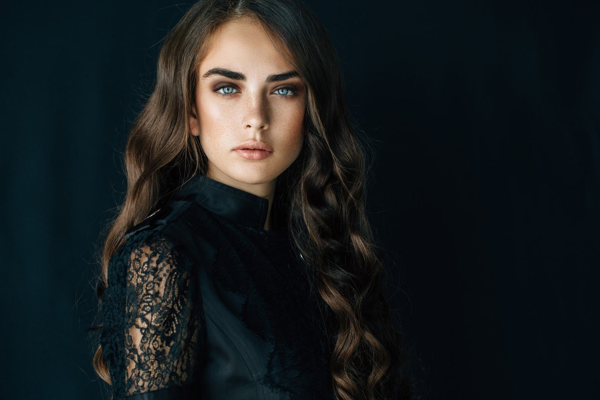 hairstyles for long brown hair curls