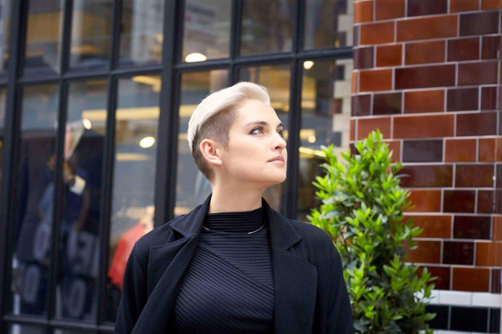 popular hairstyles for women undercut