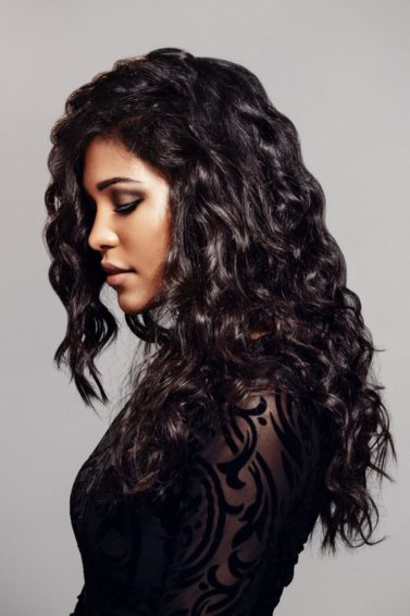 roller set in natural hair: wavy curls