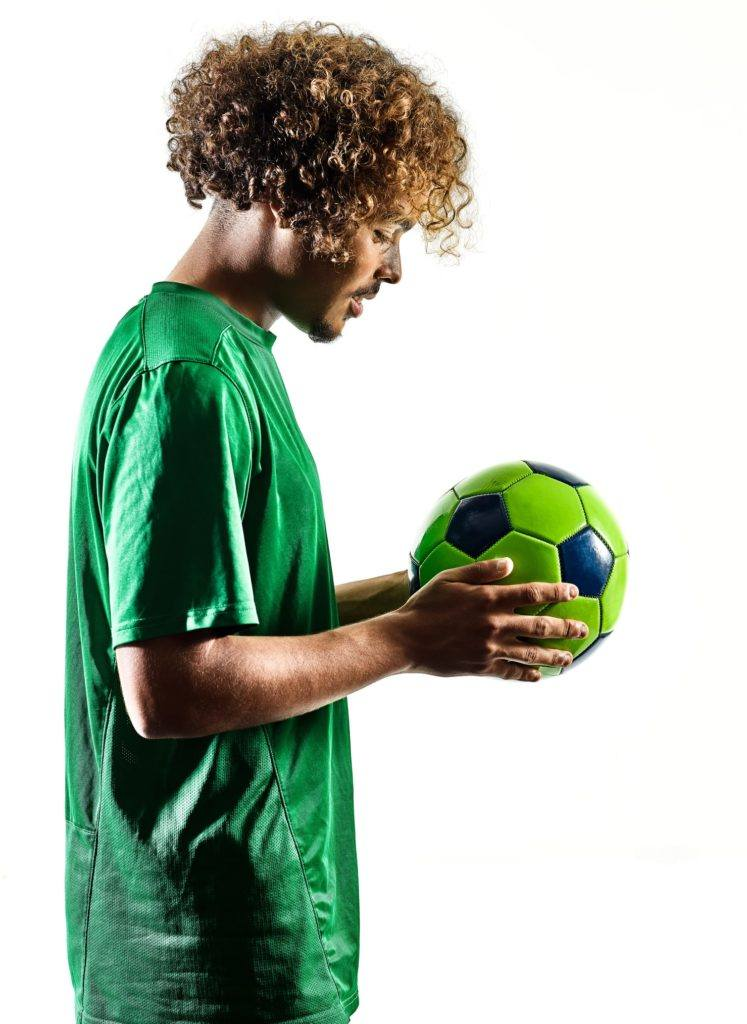 soccer hairstyles medium length blonde curls