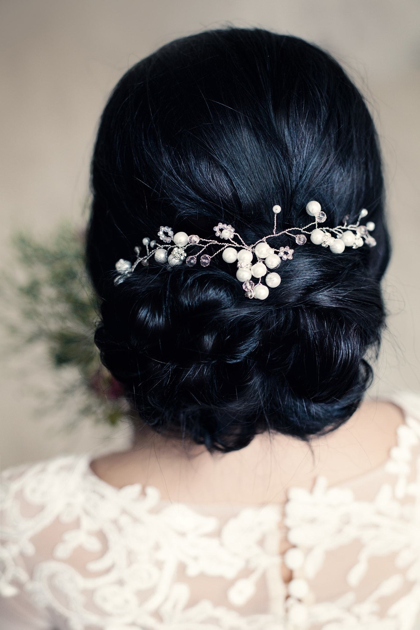 15 Curly Wedding Hairstyles for Every Kind of Bride