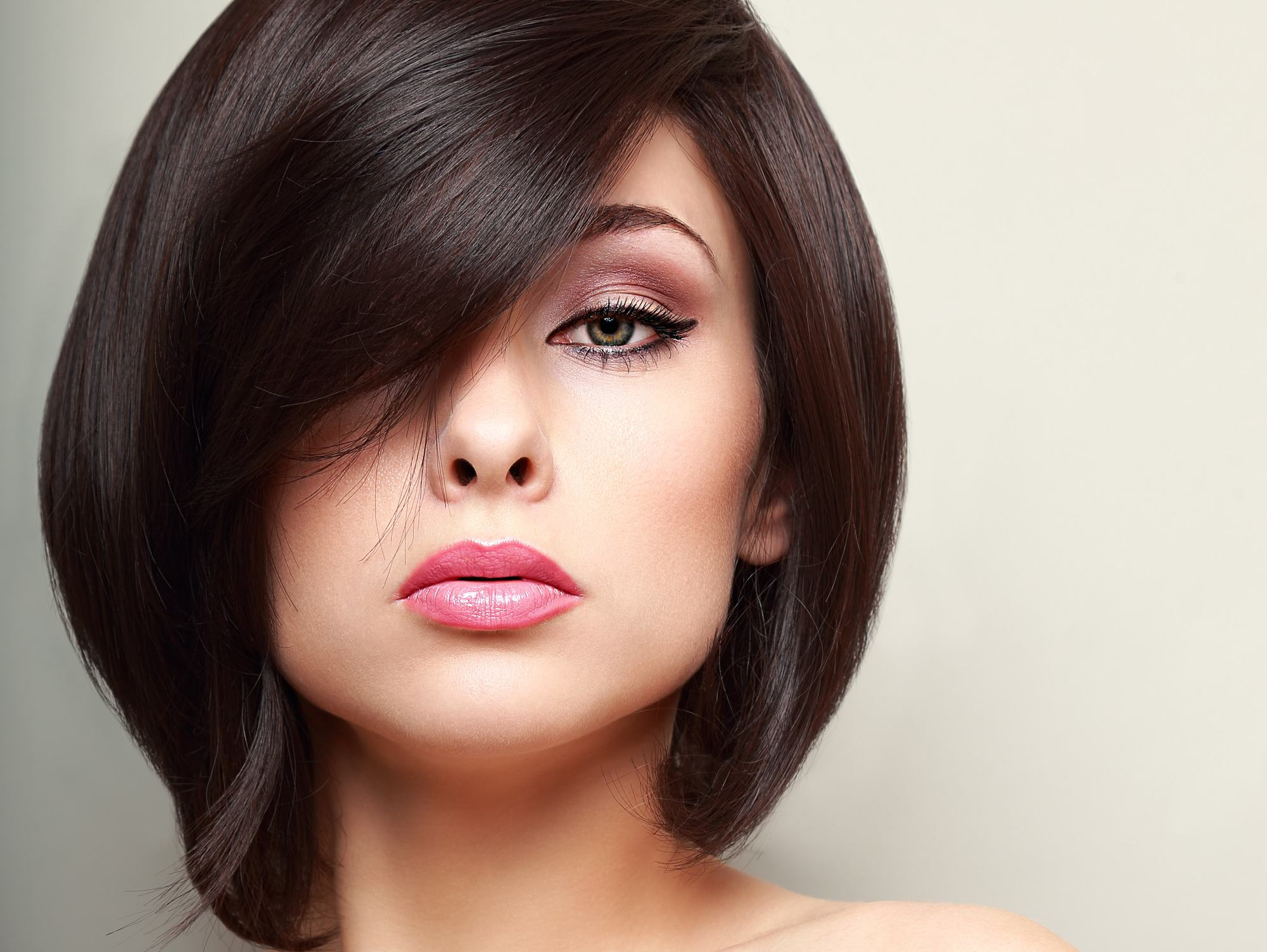 easy hairstyles for thin hair blown out bob