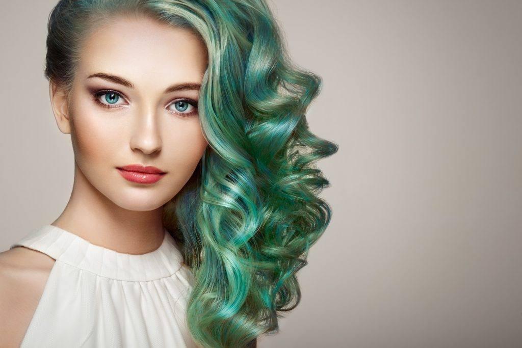 hairstyles for greasy hair mermaid hair pulled over waves